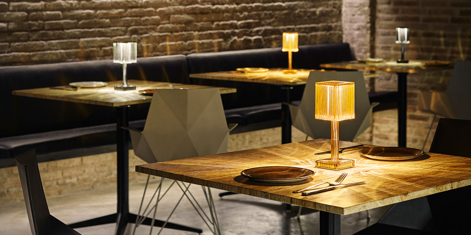 Gatsby Cylinder Table Lamp By Ramon Esteve Lamps Vondom Products