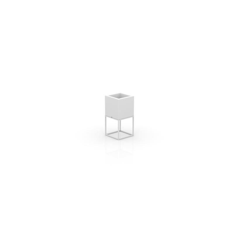 VELA NANO CUBE PLANTER 18x18x36