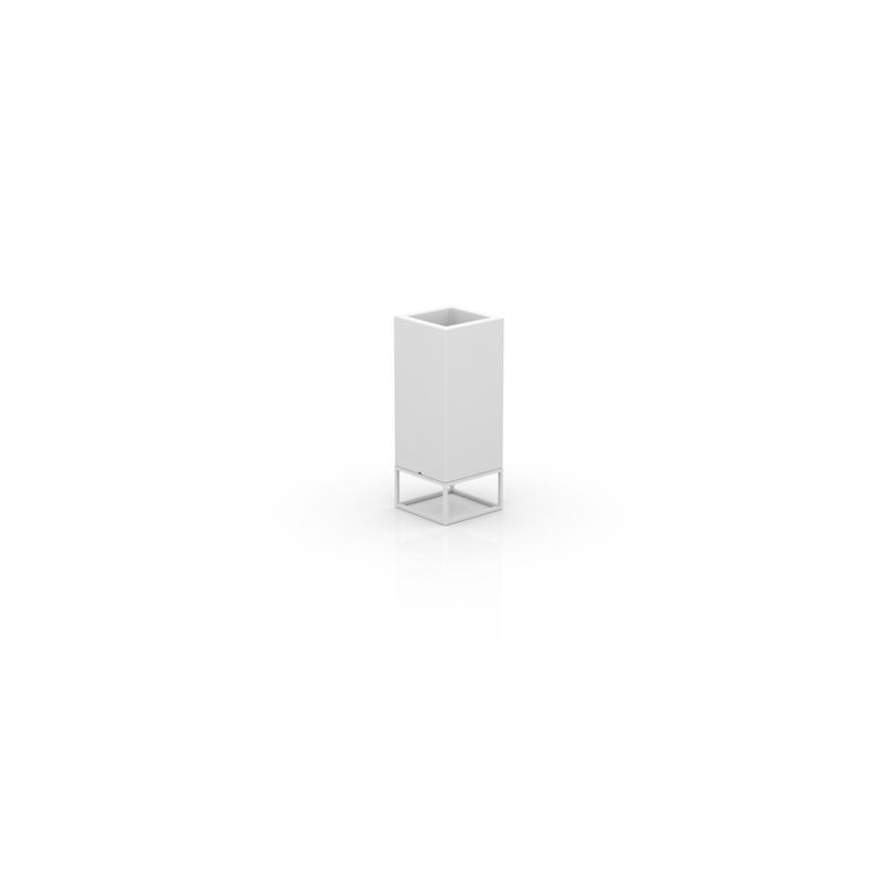 VELA HIGH NANO CUBE PLANTER 18x18x46